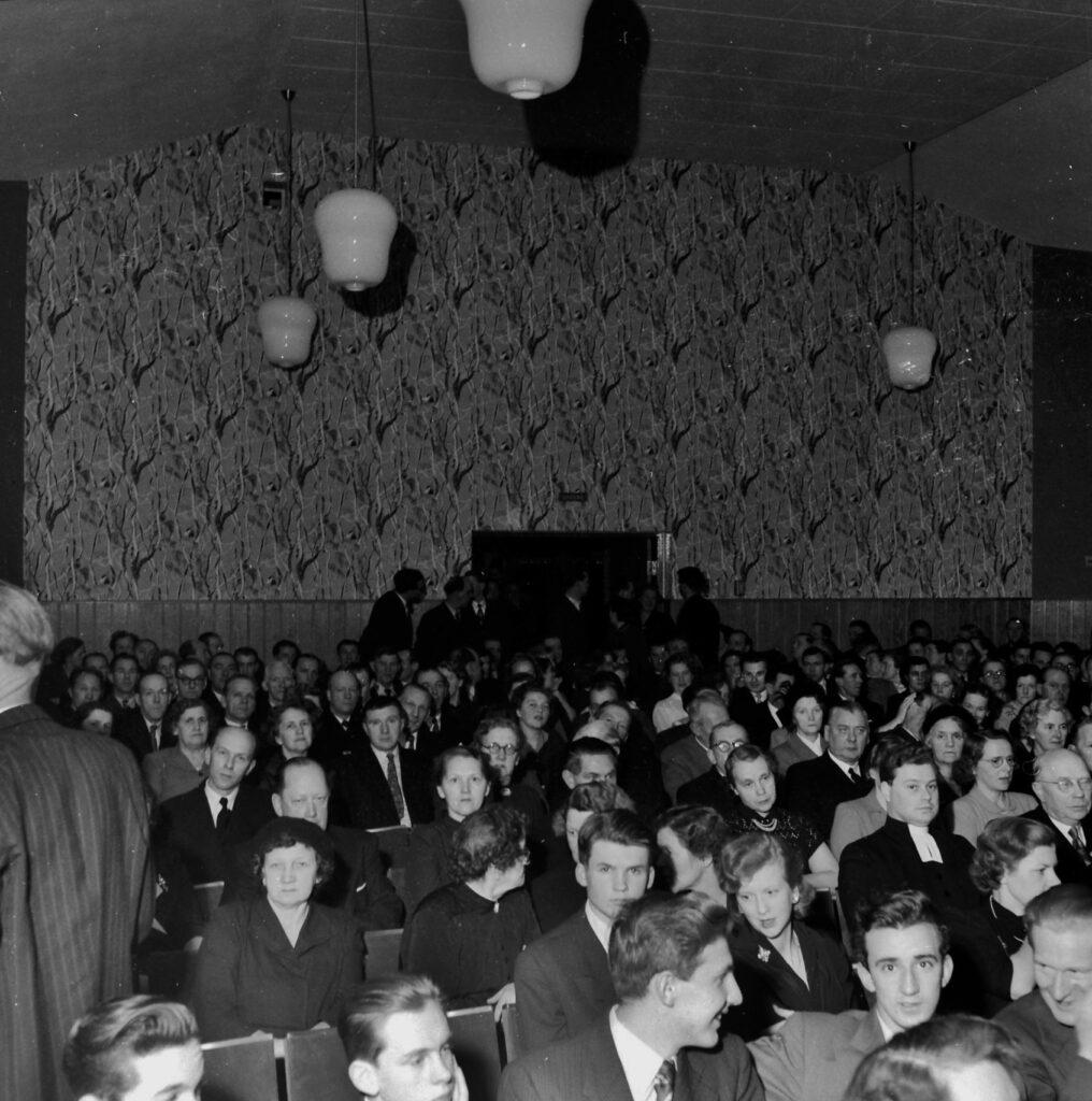 ÅT 1953 e